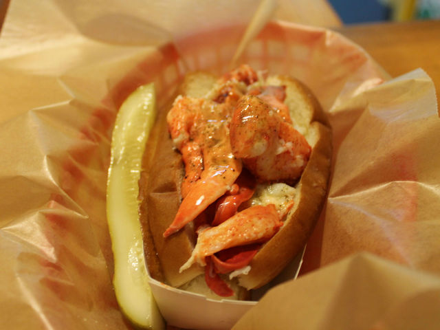 <p>Luke&#39;s Lobster serves lobster rolls that founder Luke Holder says aren&#39;t drenched in mayo and are fresh from Maine.</p>
