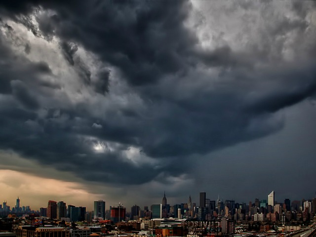 "Photographer Inga Sarda-Sorensen (@isardasorensen) tweeted this picture with the caption, ""Today's summer storm as it starts to rip through ‪#NYC""."
