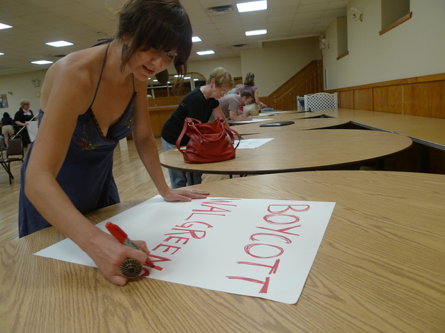 "Windsor Terrace resident Jen Wilen made a ""Boycott Walgreens"" sign at a  July 30 meeting. Wilen said losing the neighborhood's only grocery store has been ""devastating."""