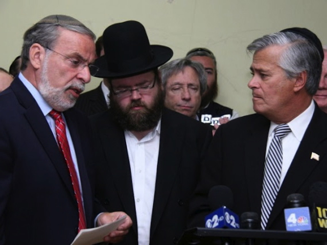 <p>Nachman Kletzky (center) at a press conference with state Assemblyman Dov Hikind (left) and state Sen. Dean Skelos.</p>