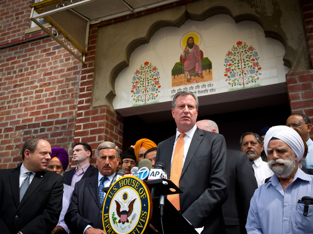 <p>Public Advocate Bill de Blasio at a press conference at the Shri Guru Ravidass Temple.</p>