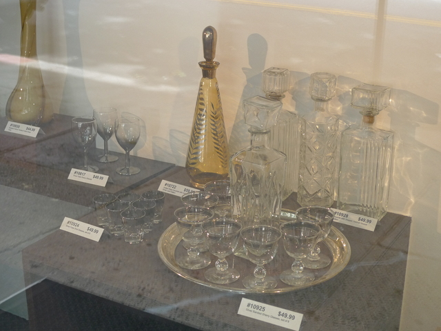 Robert Henry Vintage specializes in glassware and other home decor from the 1960s and 70s.