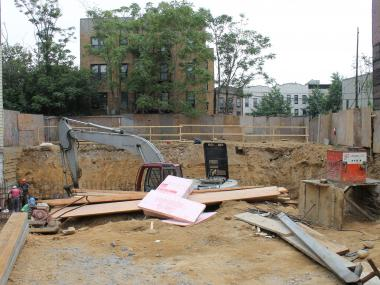 A new condo and 2 apartment buildings are headed by the DeKalb L and Gates Avenue J train stops.