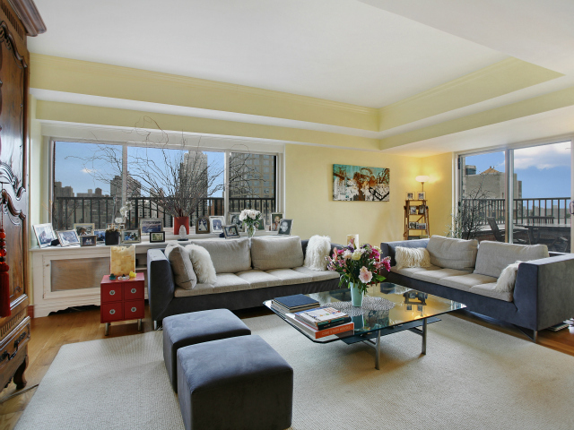 A 4-bedroom, 3-bathroom corner unit with two private terraces at 360 East 65th St. on the Upper East Side, listed by Citi Habitats for $12,950 / month.