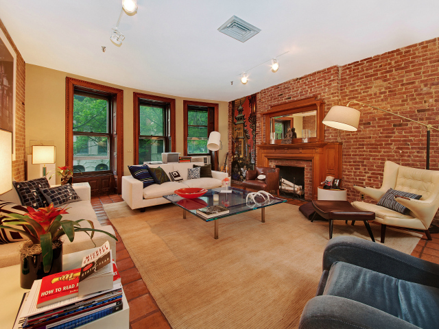 A 3-bedroom, 2-bath apartment at 156 West 88th St. on the Upper West Side, listed by Citi Habitats for $10,000 a month.