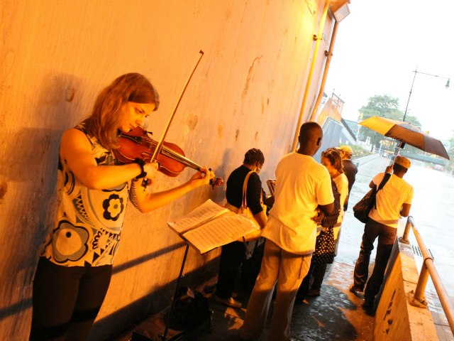 The BID invited a violinist and gave out free cookies to passers-by, despite the heavy downpour.