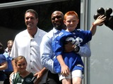 Vinny Testaverde, Amani Toomer Stoke Jets-Giants Rivalry at Bryant Park