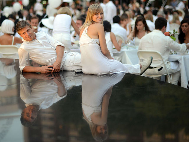 Over 3,000 diners descended upon Lincoln Center for New York's second annual Diner en Blanc, Monday, August 20, 2012.