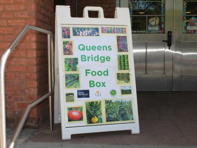 Residents of the Queensbridge Houses can now buy bags full of fresh fruit and veggies for $10.