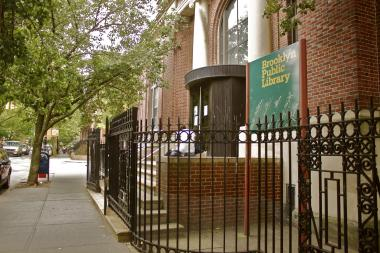 Carroll Gardens Library will host the Estate Planning seminar for the 'Sandwich Generation' on March 6.