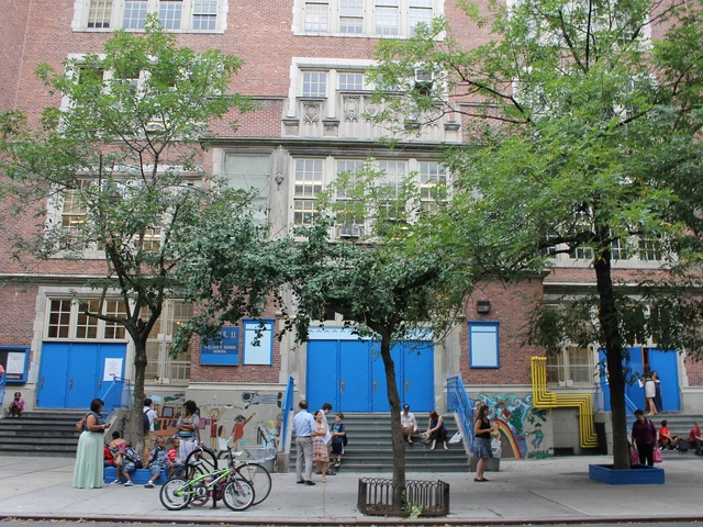 <p>Parents drop their kids off at P.S. 41 in Chelsea.</p>