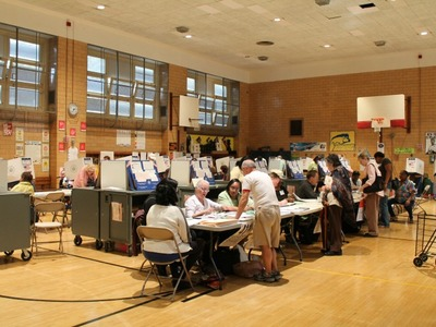 <p>More than 500 voters cast their ballots at P.S. 33 in Manhattan for the state primary.</p>
