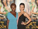 Maggie Gyllenhaal, Viola Davis Shine at 'Won't Back Down' Premiere