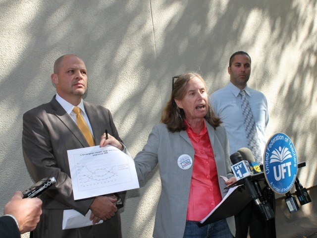 <p>Leonie Haimson, founder of Class Size Matters, center, and UFT President Michael Mulgrew, left, expressed concern about overcrowded classes Sept. 25, 2012.</p>