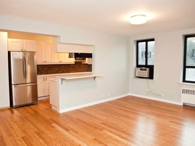 <p>This apartment in 37 Nagle Ave. is zoned for P.S. 152 and P.S. 178.</p>