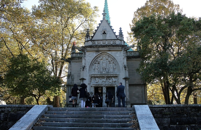 <p>The mausoleum of Alva Belmont, a socialite, early feminist and women&#39;s rights leader, at Woodlawn Cemetery. Belmont was one of four historic women buried at the cemetery who were honored Monday by the Bronx Chamber of Commerce.</p>