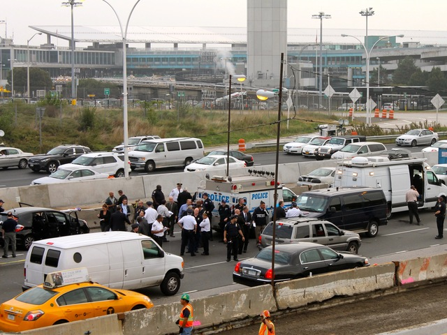 <p>Cops shot and killed a man on the Grand Central Parkway in Queens on Oct. 4, 2012.</p>