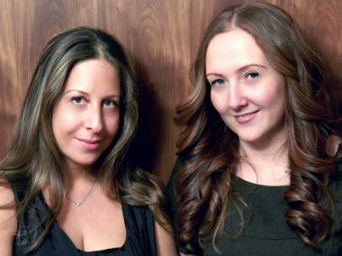 Fix Beauty Bar offers simultaneous blowouts and manicures on the Upper East Side.