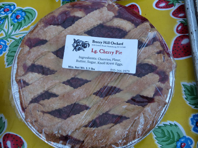 <p>Baked goods such as pie were on display at Harlem&#39;s first ever nighttime farmer&#39;s market on Oct. 11, 2012.&nbsp;</p>