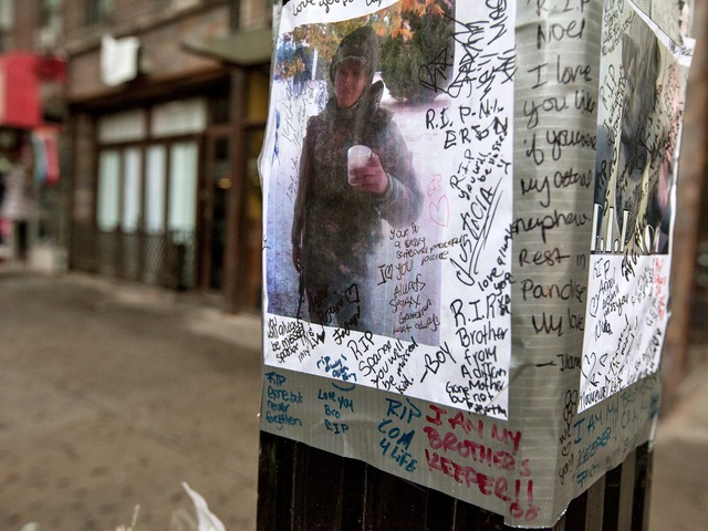 <p>Loved ones wrote heartfelt messages on a picture of Noel Polanco, who was shot dead by cops in October.</p>