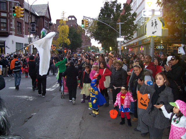 <p>A crowd of around 5,000 people is expected at this year&#39;s&nbsp;Jackson Heights Halloween Parade.</p>