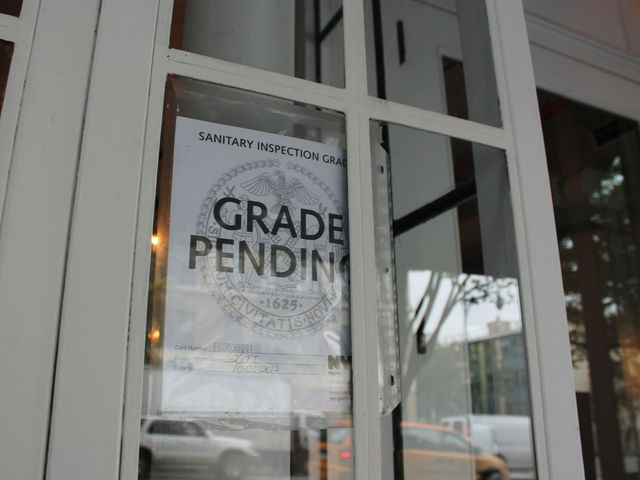 <p>A sign from the DOH proclaimed that Kefi&#39;s grade is now pending.&nbsp;</p>