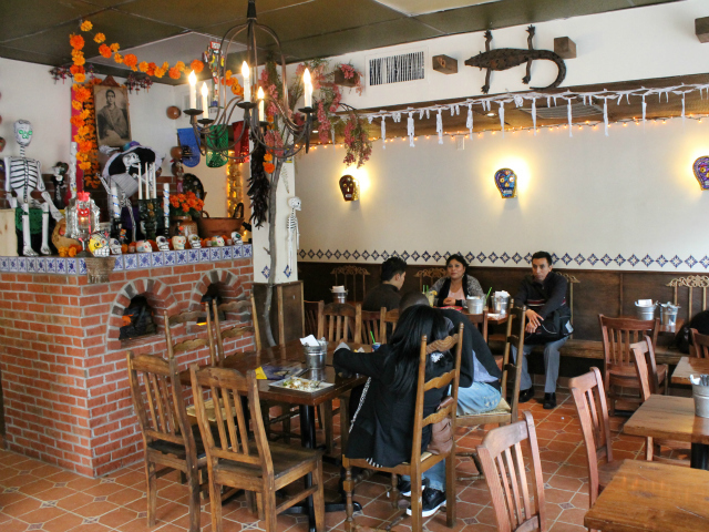 <p>Diners at Mexicosina.</p>