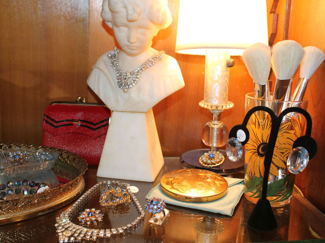 <p>Pippin uses objects from its vintage storeroom to decorate the store.</p>