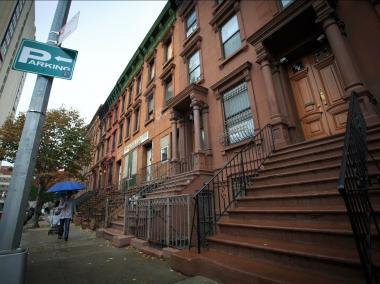A Bronx man died from a gunshot to his head on West 126th Street around midnight Tuesday October 23, 2012, police said.