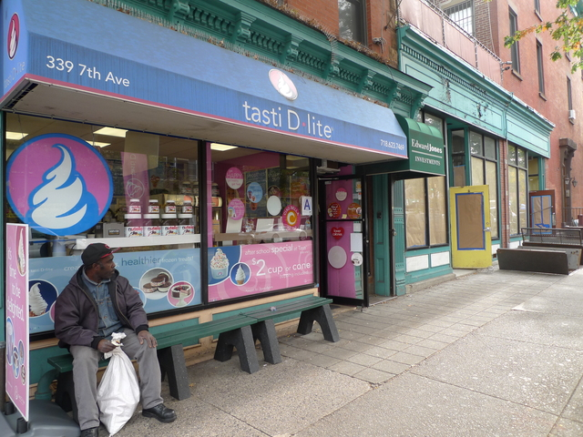 <p>Tasti D-Lite on Seventh Avenue and Ninth Street is one of many frozen yogurt emporiums in Park Slope.</p>