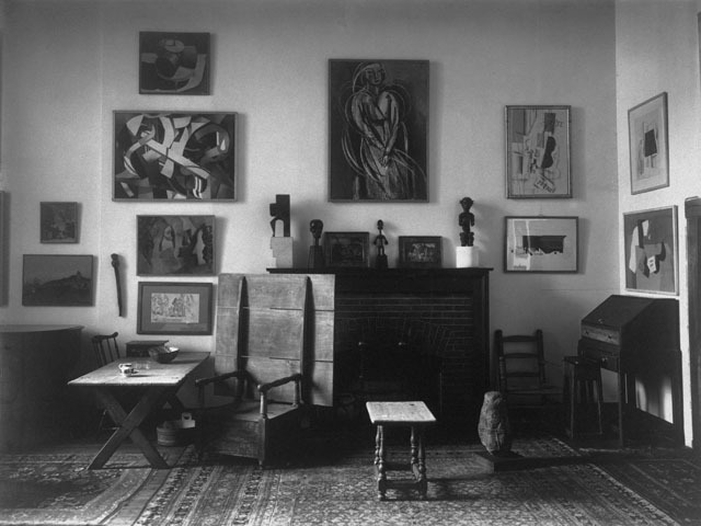 <p>This shot, taken by Charles Sheeler, shows the interior of an art-strewn New York apartment in 1919.</p>