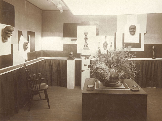 <p>Here&#39;s another shot of the African art exhibition snapped by Stieglitz.</p>