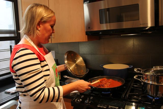 <p>Natalya Murakhver cooks meatballs with grass-fed beef in a jar of organic pasta sauce.&nbsp;</p>