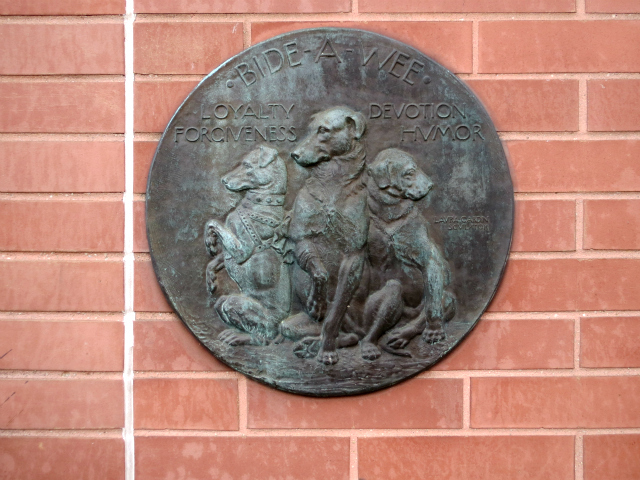 <p>A plaque on the side of the Bideawee facility on East 38th Street, where the shelter has been housed for the past 100 years.</p>