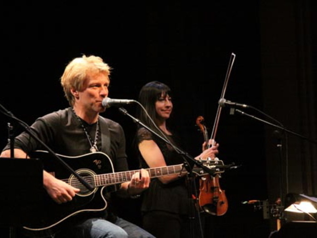 <p>Rocker Jon Bon Jovi played a private benefit concert to help Poly Prep Country Day school raise nearly $700,000 for hurricane relief. Bon Jovi&#39;s son attends the school.</p>