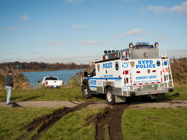 <p>Officers at the scene Monday morning, Nov. 19, 2012.</p>