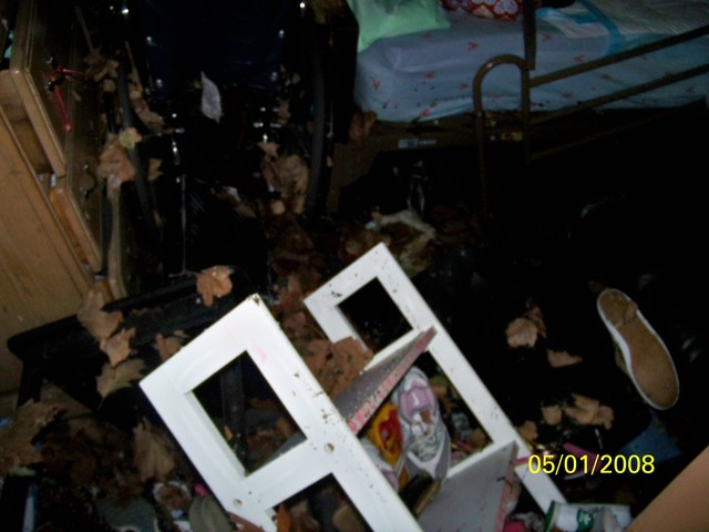<p>Winsome and Schevon Williams&#39; apartment was flooded during Hurricane Sandy, damaging important electronic devices.</p>