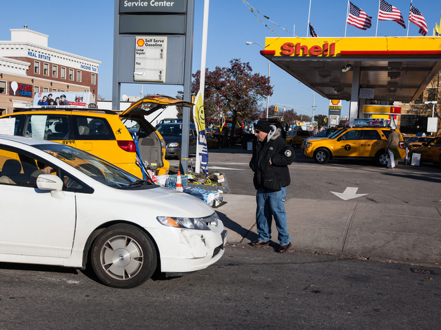 <p>A DNAinfo reporter is denied access to a Shell gas station selling fuel to yellow cabs only in Queens on Nov. 9, 2012.</p>