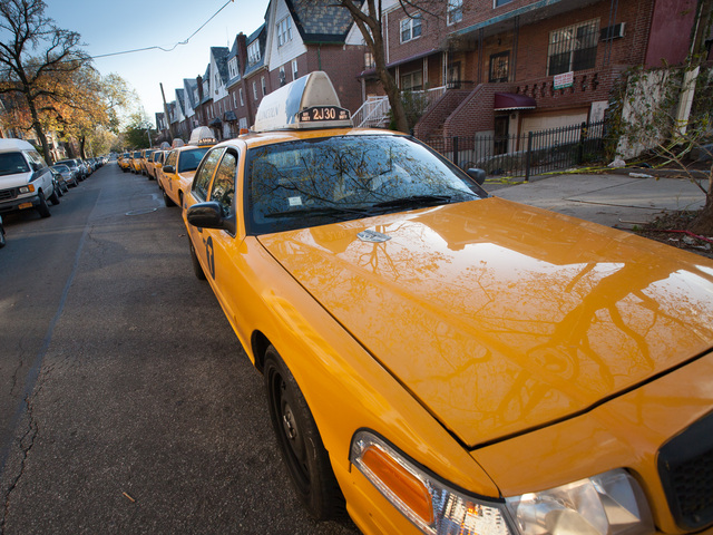 <p>Dozens of yellow cabs line up for fuel at the Shell gas station on Northern Blvd., in Queens on Nov. 9, 2012.</p>