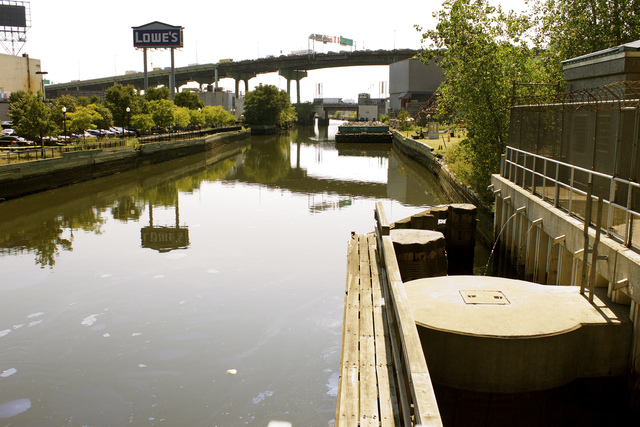 <p>The EPA&#39;s cleanup plan for the Gowanus Canal, shown here, includes the removal of some of the contaminated sediment within the canal and capping of dredged areas.</p>