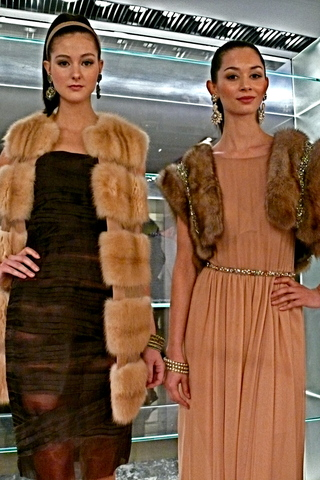 <p>Warm hues of silk and sable</p>