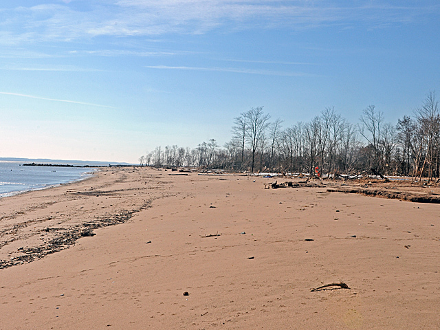<p>Residents of New Dorp, Staten Island, said the lack of a storm wall on the beach made their neighborhood more vulnerable durring Hurricane Sandy, Nov. 9, 2012.</p>