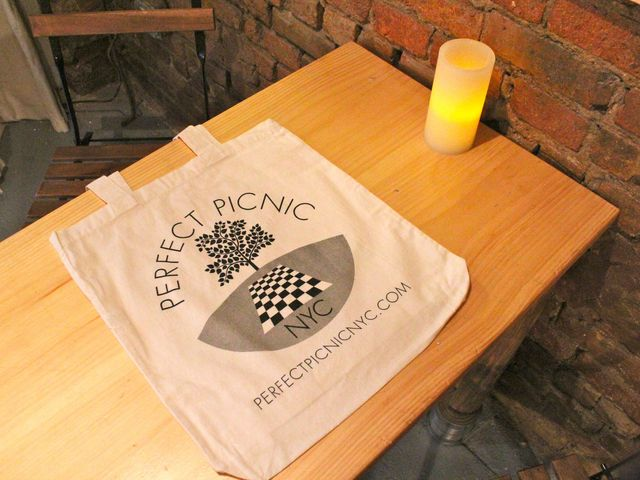 <p>A Perfect Picnic classic lunch comes in a tote bag.</p>