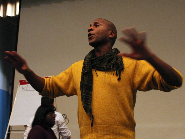 <p>Red Hook resident and community activist Reg Flowers facilitated the community meeting Wednesday night, Nov. 14, 2012.</p>