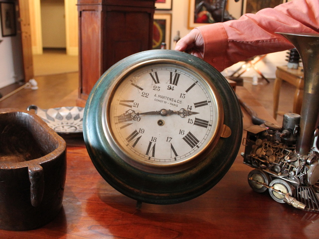 <p>A&nbsp; French clock dating back to the 1890s, which is part of the collection at 7 Continents Art in Astoria.</p>