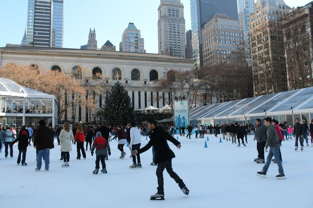 <p>Bryant Park is the scene of frequent marriage proposals.&nbsp;</p>