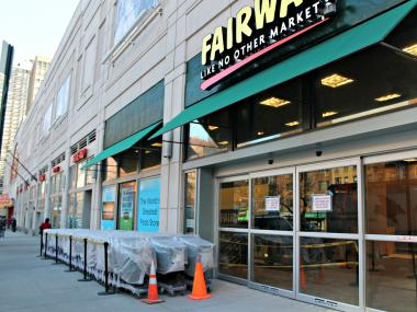 The popular grocer hopes to open on Sixth Avenue.