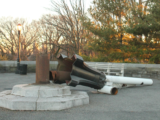 <p>Fort Tryon park&#39;s flagpole was downed by Hurricane Sandy.</p>