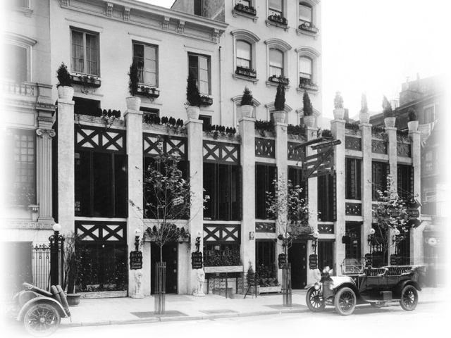 <p>An old photo of the exterior of Keens Steakhouse.</p>