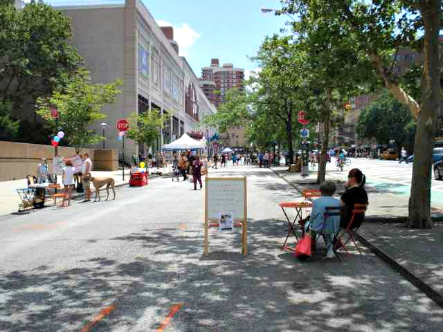 <p>The pedestrian plaza will come up for a vote in February, community board members said.</p>